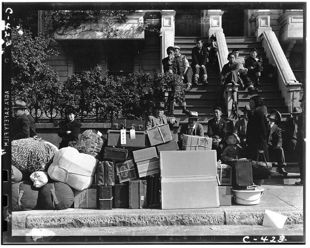 Hearst-Japa-SanFran-CA-luggage-175539461-NARA-.jpg
