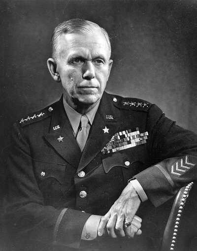 Macarthur-George_Marshall_1947-Dutch-National-Archives.jpg
