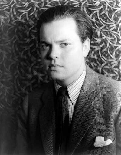 Kane2-Orson_Welles_1937_Age21_PD.jpg