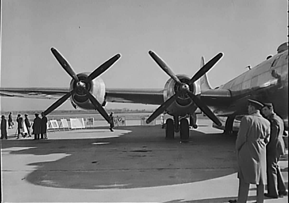 Pacific-B-29-1944-LOC.jpg