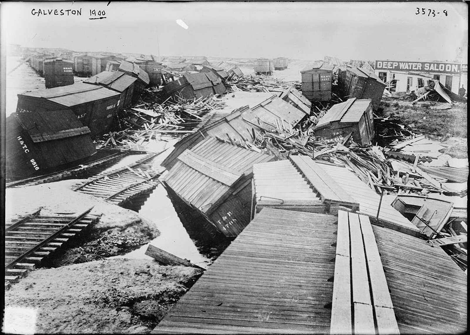 Hurricane-timeline-Galveston-1900-LOC.jpg