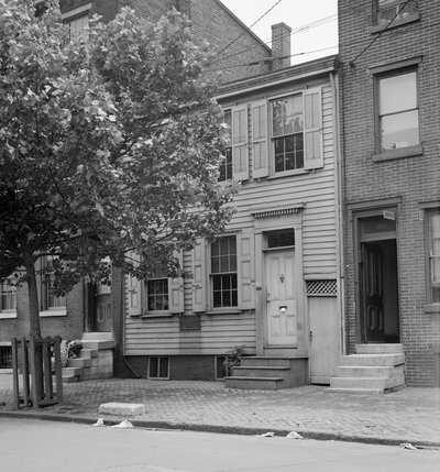 Whitman-Timeline-house-Ext-5007-M.jpg
