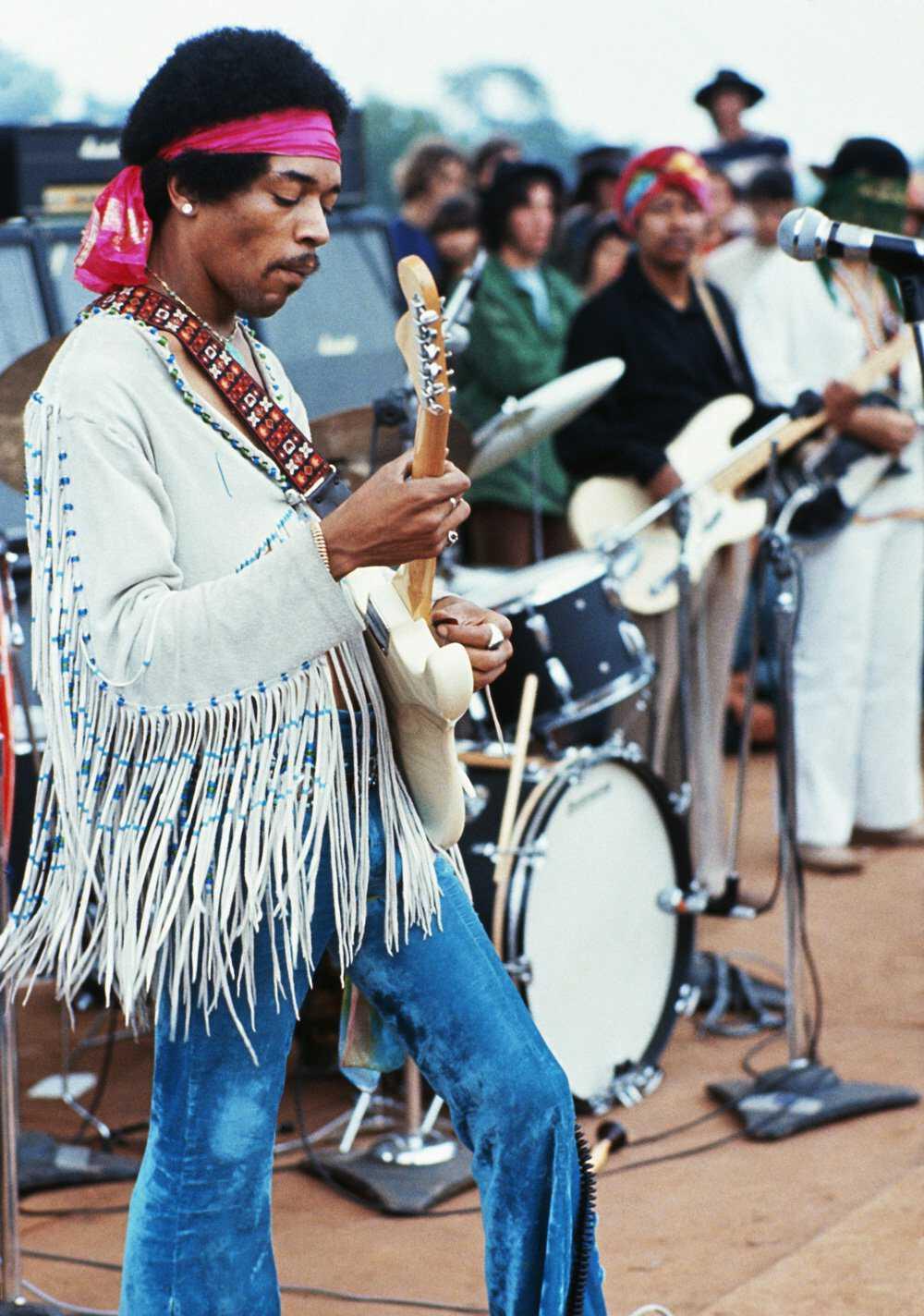 Woodstock-Hendrix-GettyImages-599357656.jpg