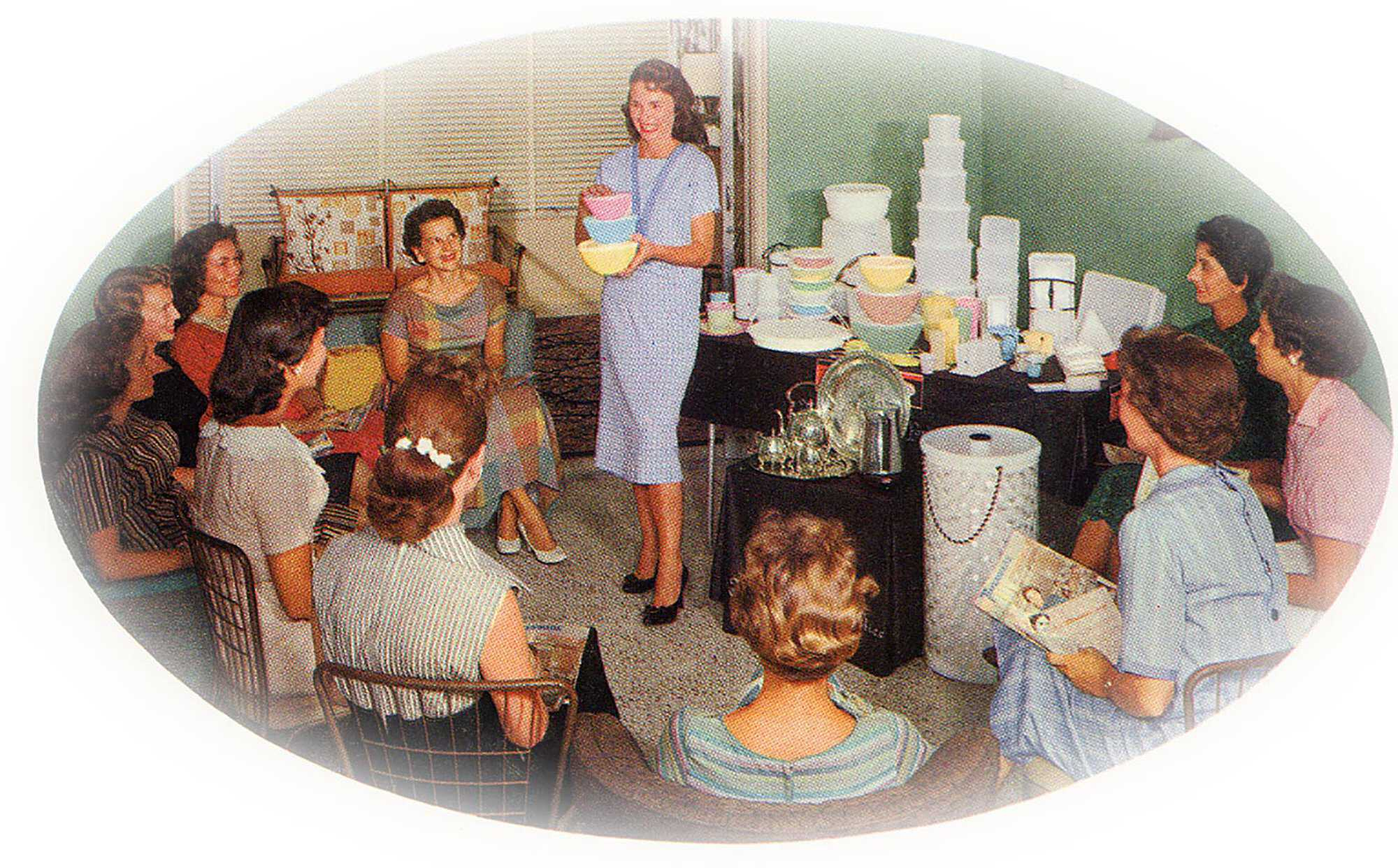 Tupperware-Women-work-WW2.jpg