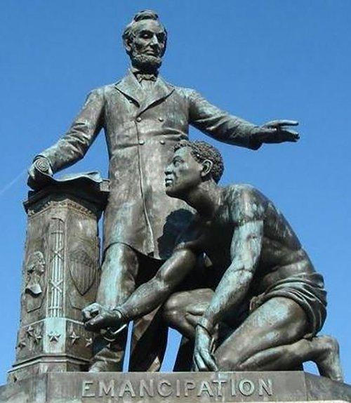 Lincoln-Memorial-Emancipation_Memorial-pd.jpg