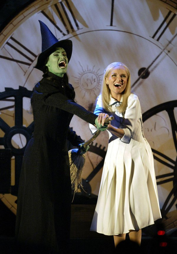 Oz-Wonderful-Wicked-Alamy.jpg