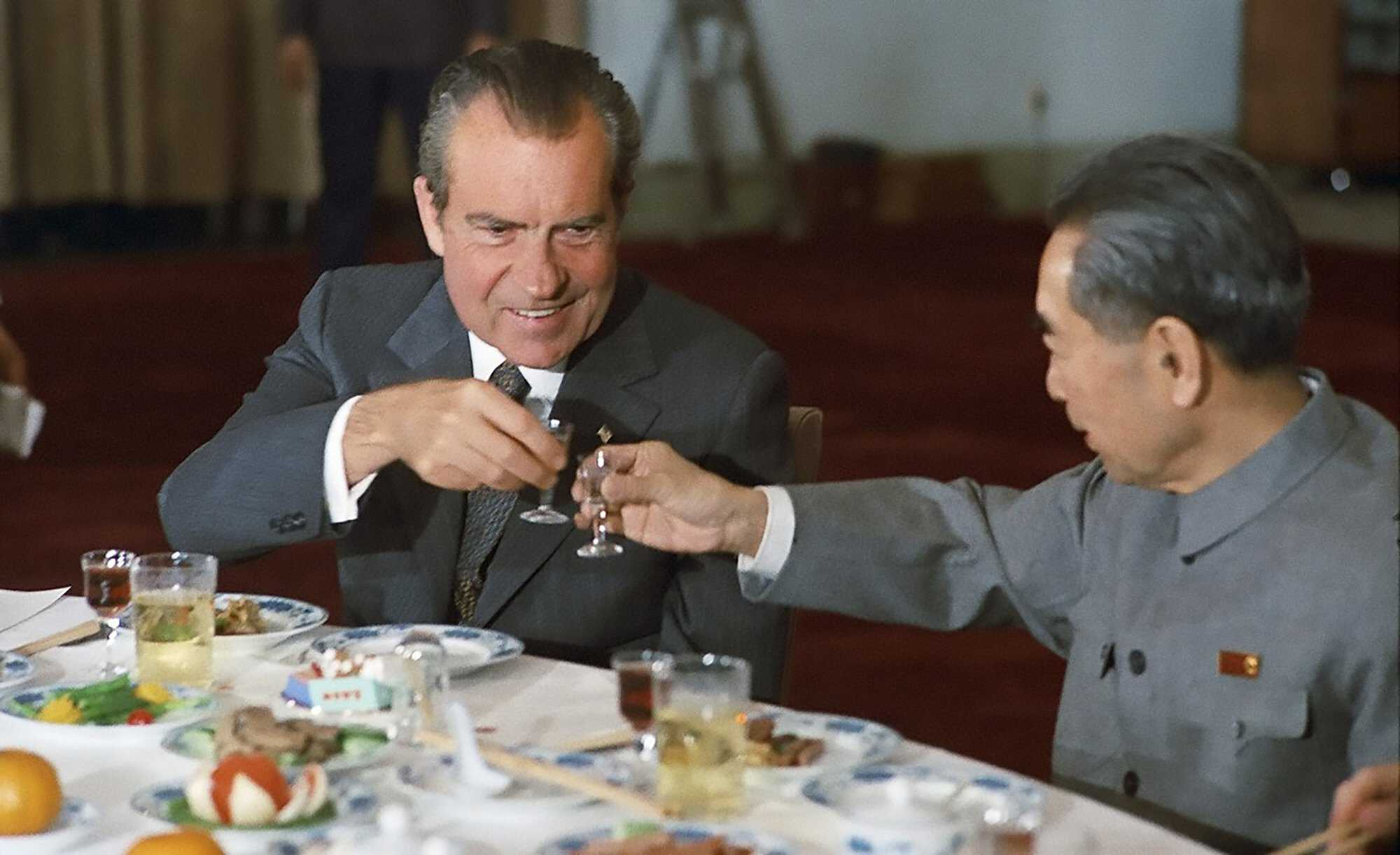 Nixon_China-trip_and_Zhou_toast-1972-PD.jpg