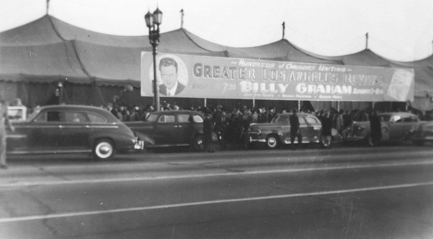 Billy-Graham-essay-crowd.jpg