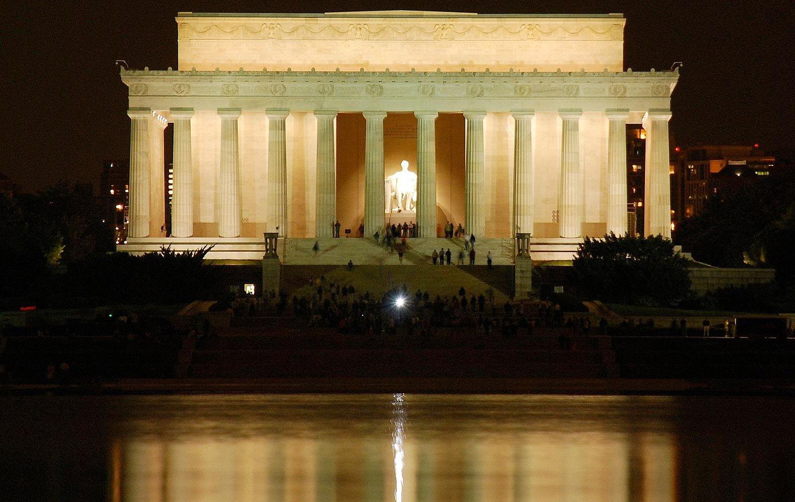 Lincoln-Memorial-main.jpg