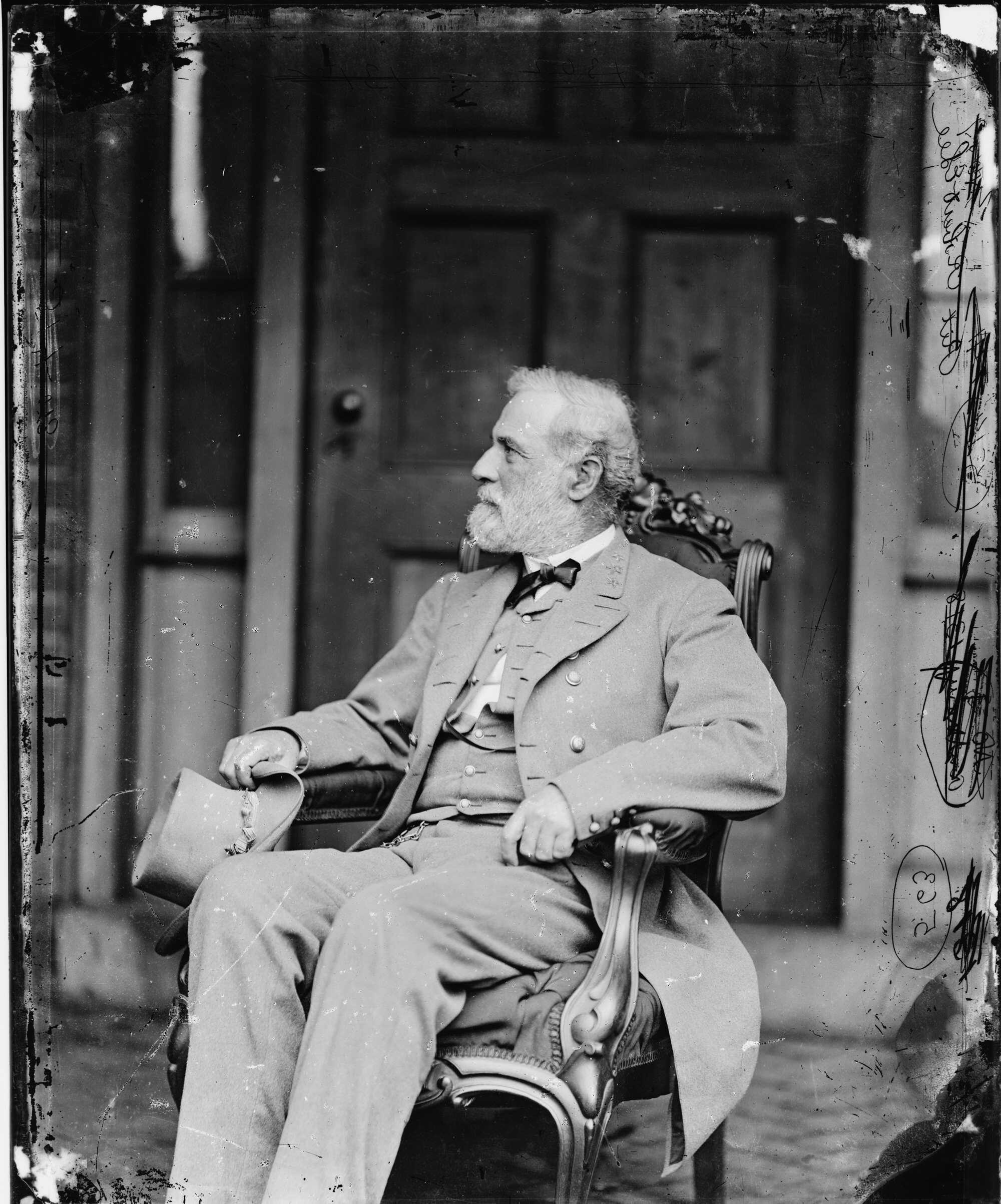 Lee-Timeline-Old-Chair-(5006)-03115a.jpg