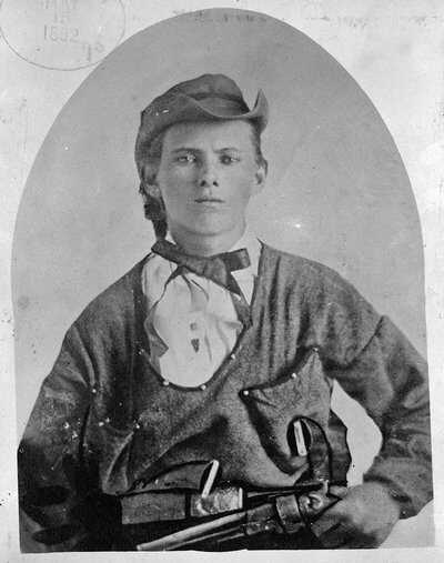 James-bio-LOC-1882.jpg
