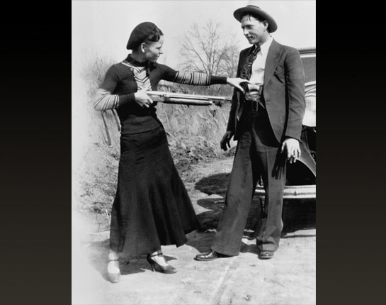 bonnie and clyde movie essay The american crime film bonnie and clyde directed by arthur penn in 1967 is considered by majority of the viewers as a landmark film in.
