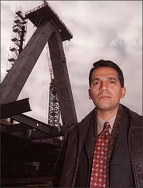 Architect Miguel Rosales