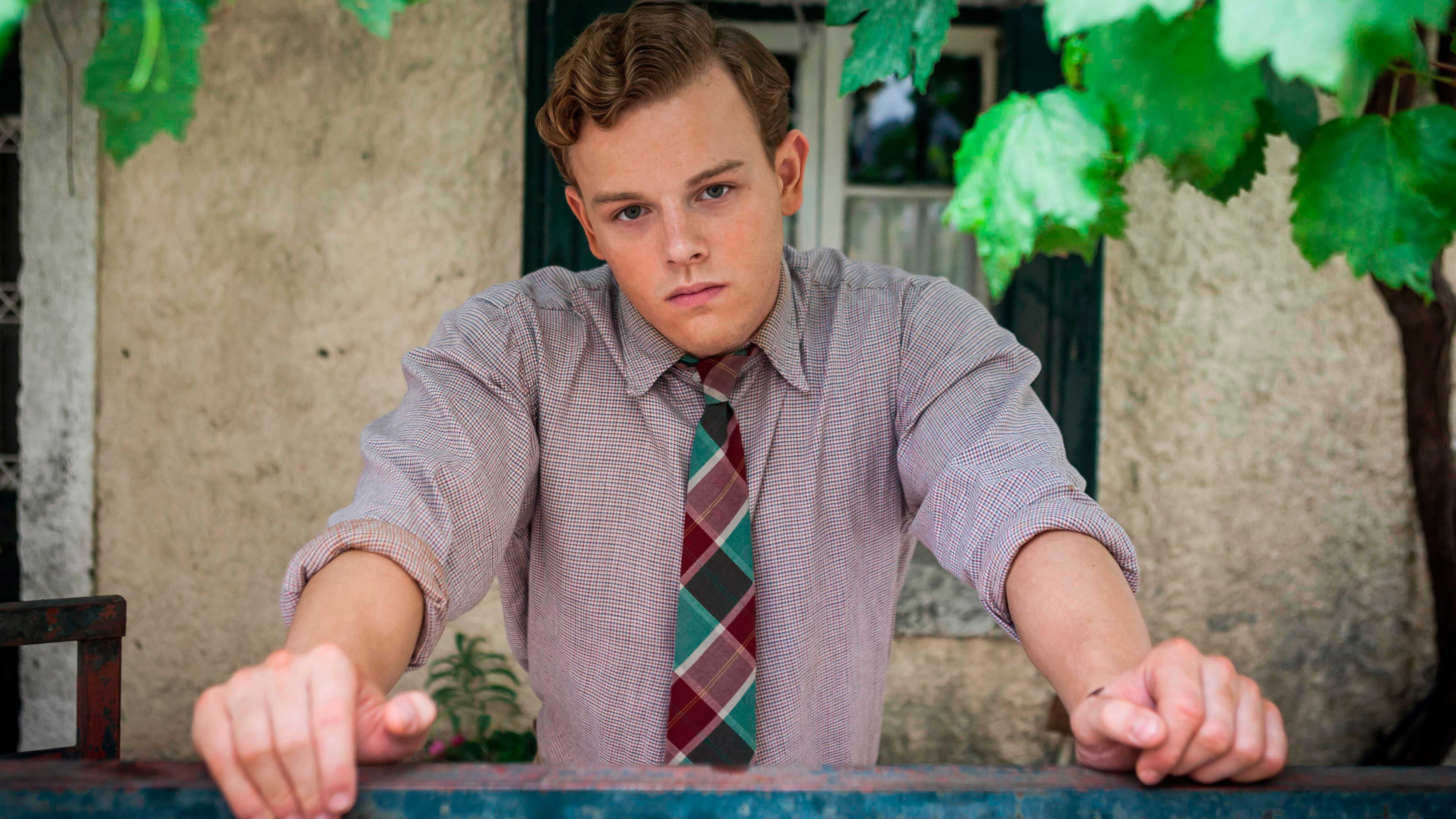 Callum Woodhouse as Leslie Durrell in The Durrells in Corfu as seen on MASTERPIECE on PBS