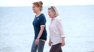 Francesca Annis and Imelda Staunton in Flesh and Blood, Episode 3