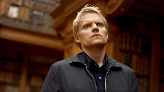 Marc Warren in Van der Valk Episode 2