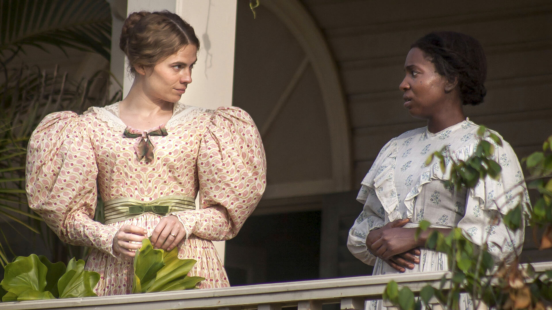 Hayley Atwell (Caroline) and Tamara Lawrance (July) in The Long Song