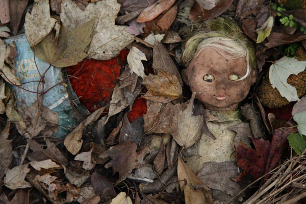 Discarded Doll: A Photo Essay of the Caylee Anthony Memorial Site ...