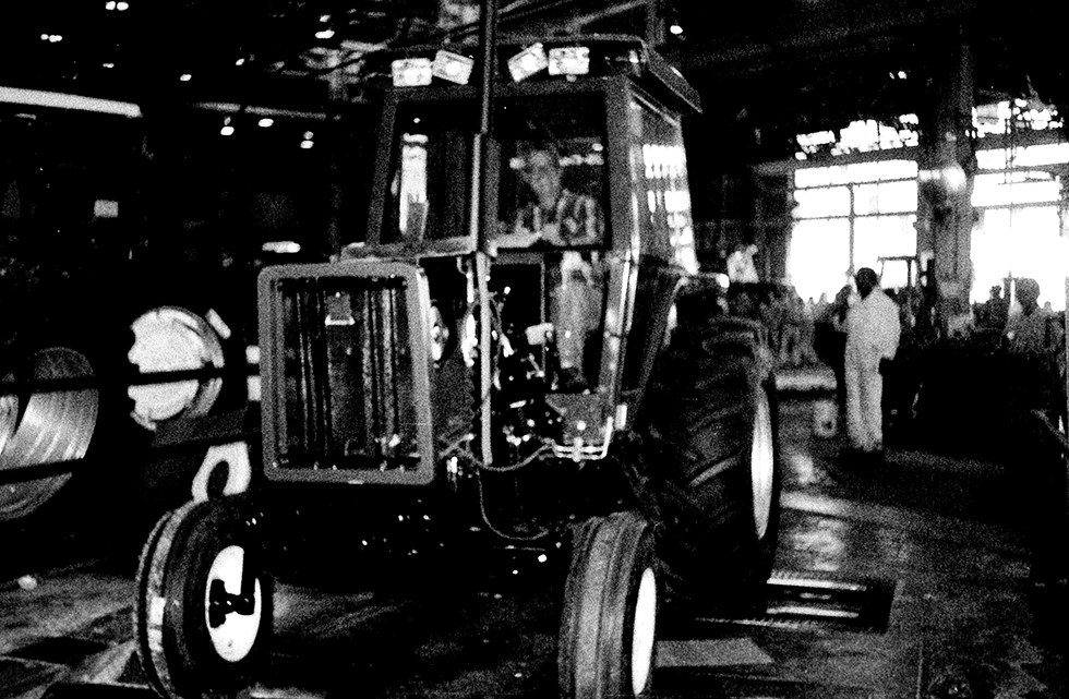Allis Chalmers Made A Variety Of Heavy Machinery But It Specialized In Agricultural Equipment Pictured Here Is The Last Tractor The West Allis Plant Ever