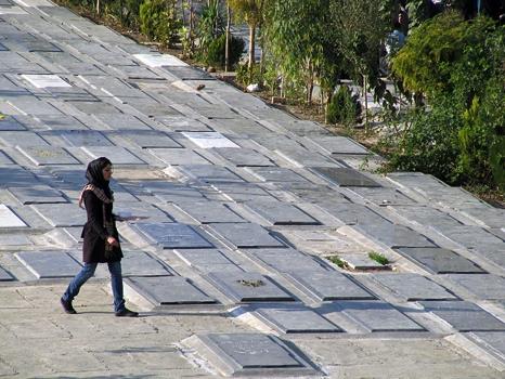 Iran_21 >> Burials at Behesht-e Zahra