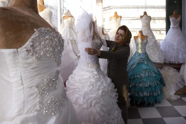 Wedding-Industry-in-Iran-1.jpg