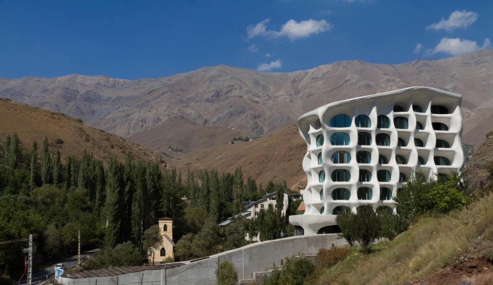 Blog modern shemshak tehran bureau frontline pbs for Moderne skihotels