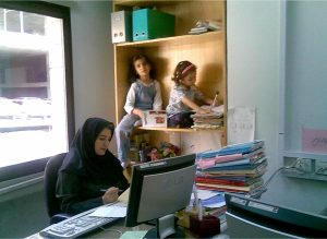 women-multi-task-in-offices.jpg