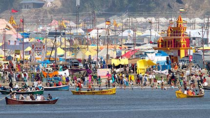 images/kumbh_mela_boats_water_view_430x242.jpg