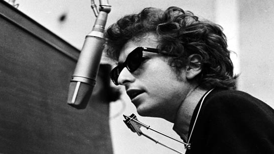 bob dylan biographical essay