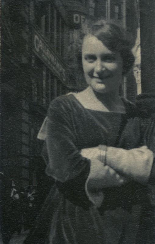 Dorothea Lange in San Francisco, circa 1920