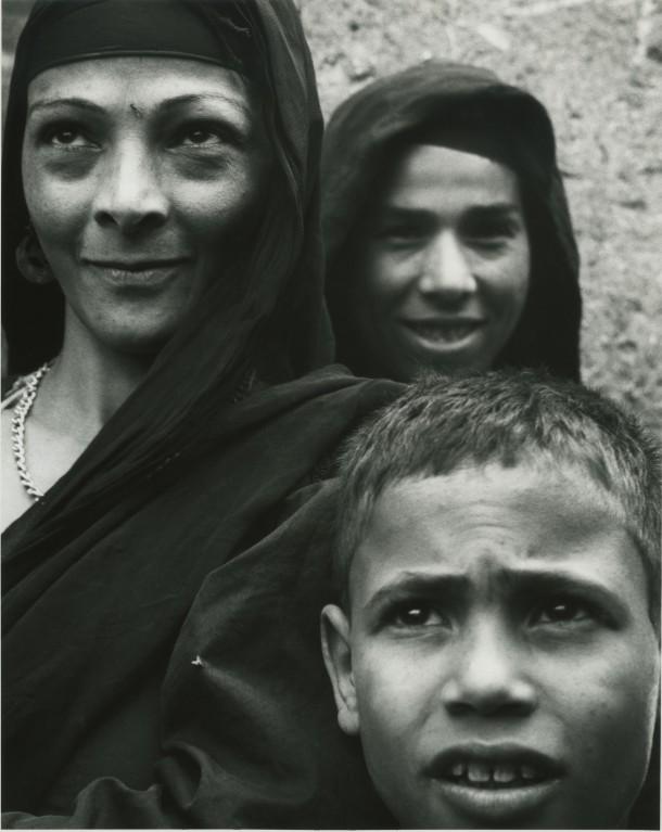 """Woman and Child, Nile Village,"" Egypt, 1963. Photo: Dorothea Lange"