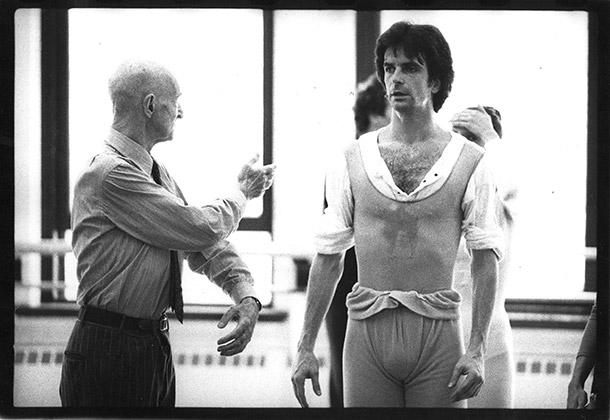 Antony Tudor coaching Kevin McKenzie in his ballet Jardin Aux Lilas. 1986. Photo: Paul B. Goode.