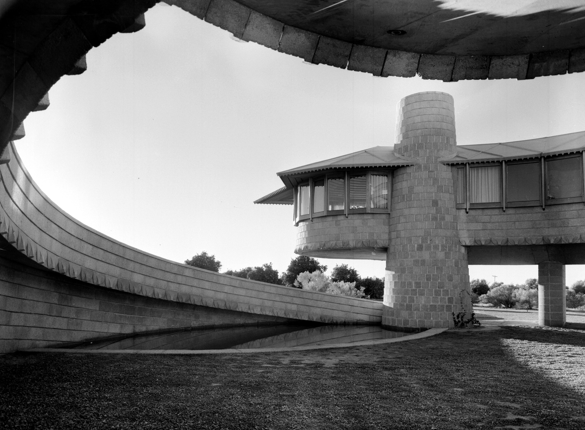 Architect Andrew Lloyd Wright: Photos Help Architect See A Problem