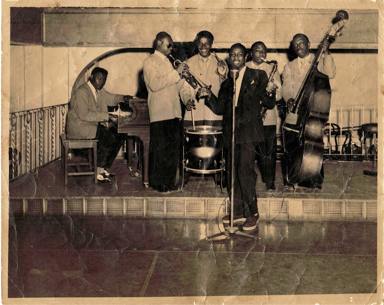 Fats Domino on piano with the Billy Diamond Orchestra