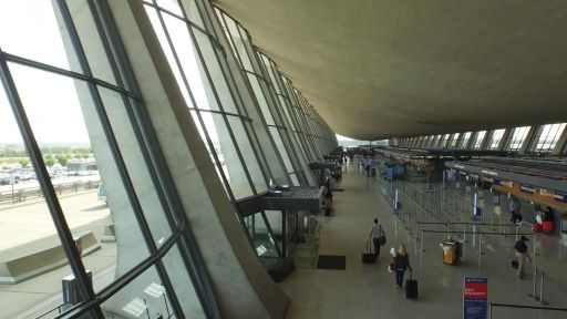 Eero Saarinen's Revolutionary Design of the Dulles Airport