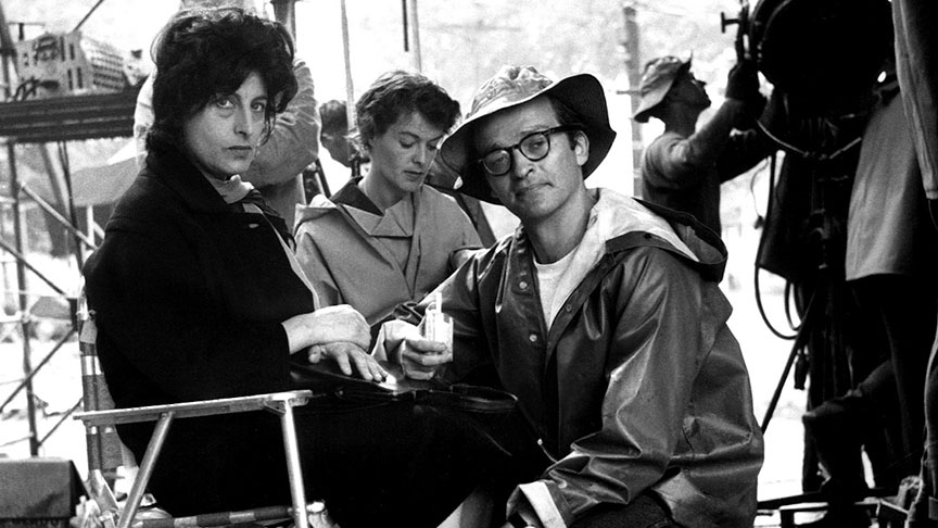 THE FUGITIVE KIND, Anna Magnani and director Sidney Lumet on-location, 1959