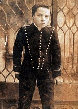 A young Chaplin as Sherlock Holmes.