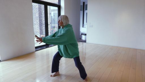 How does Twyla Tharp create new dances?