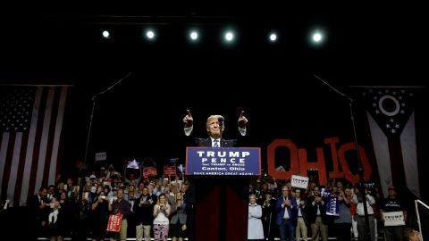 Can Trump gain with Ohio Democrats on economic issues?