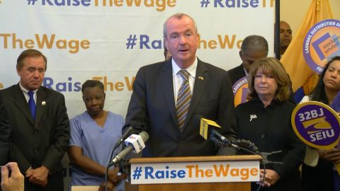 Democratic Leaders Call For $15 Minimum Wage