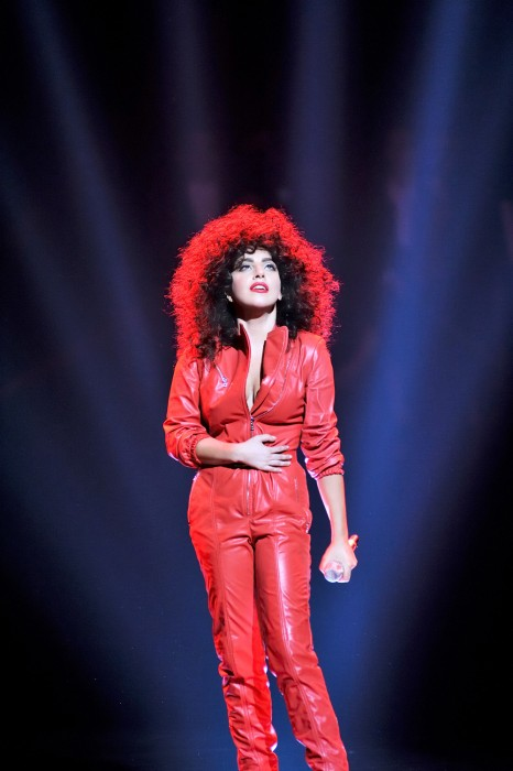 Cheek-To-Cheek-3303_v08RedStar1000-466x7