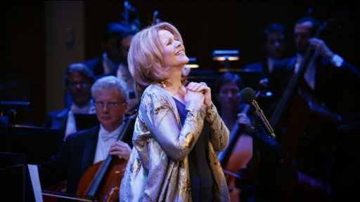 "Clip |  Renée Fleming Sings ""Danny Boy"""