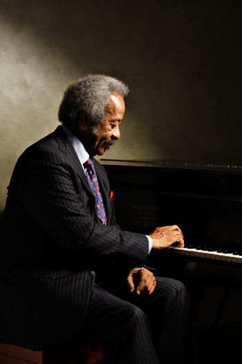 Allen Toussaint. Photo by by Glade Bilby II.