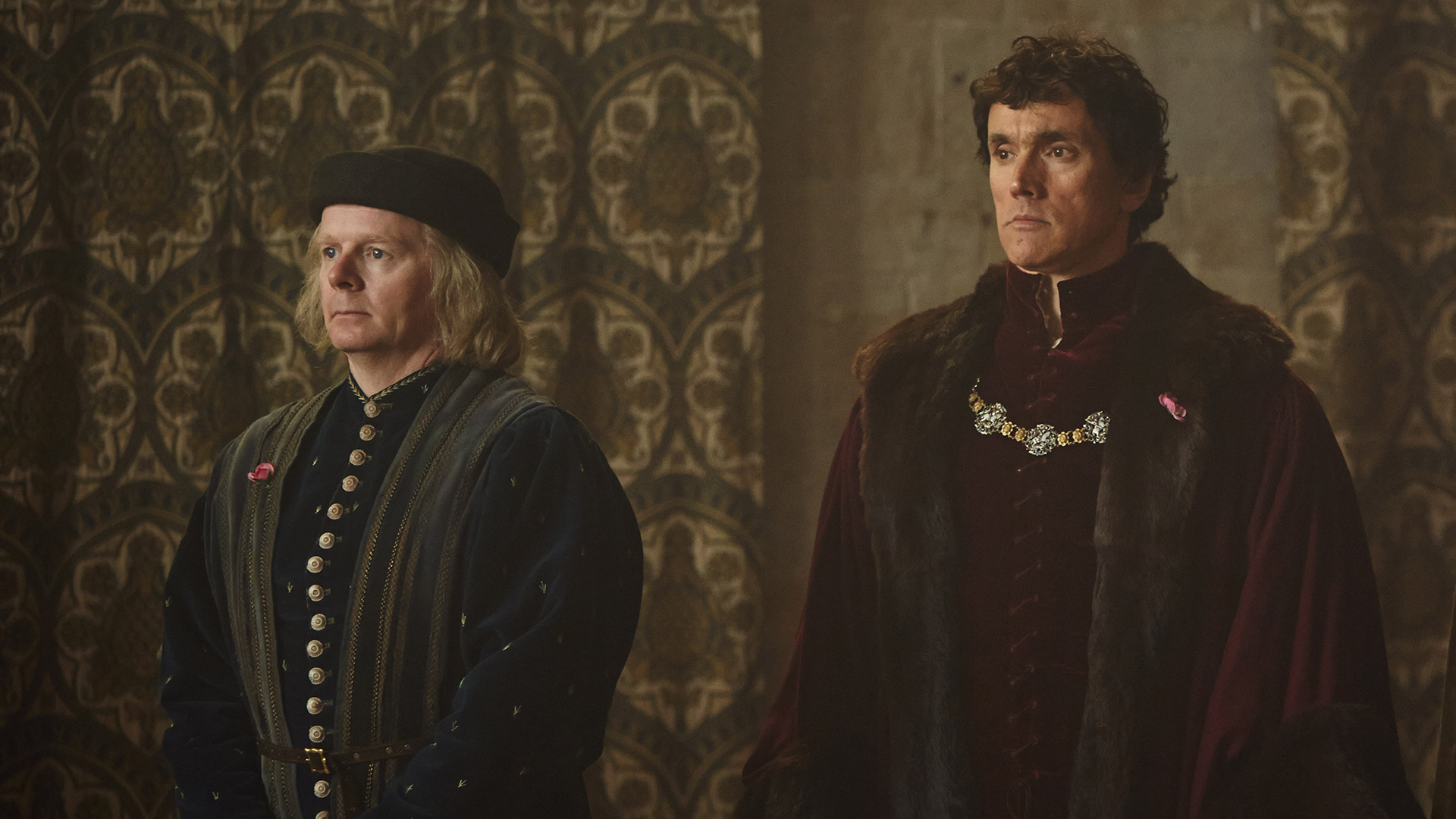 The Hollow Crown: The Wars of the Roses HENRY VI (PART I). Jason Watkins (as Duke of Suffolk) and Ben Miles (as Duke of Somerset). Photographer: Robert Viglasky © 2015 Carnival Film & Television Ltd