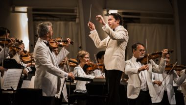 14 Fun Facts About Dudamel Conducts Tangos