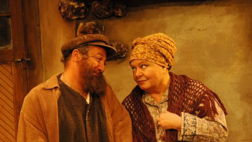 5 Actors You Didn't Know Who Starred In Fiddler On The Roof