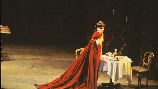 """Photos: Maria Callas in """"Tosca"""" at the Metropolitan Opera"""