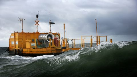 Scientists Work to Harness Power from Hawaii's Waves
