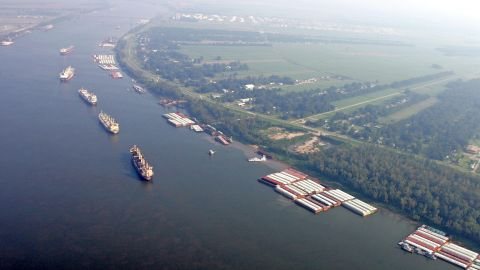 How climate change is jeopardizing trade along the Mississippi River