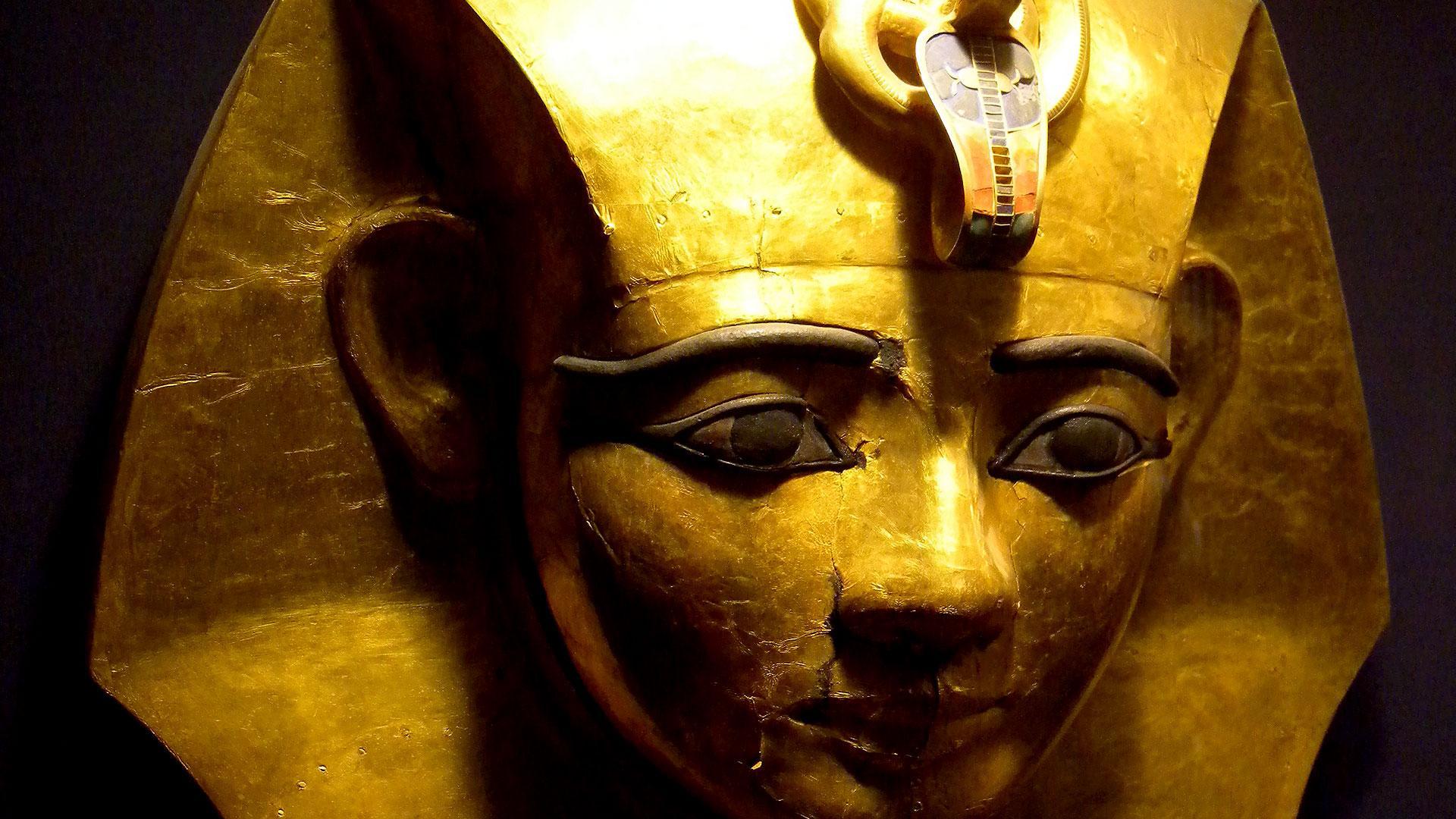 Mummies: the dark secrets of the Egyptian pharaohs